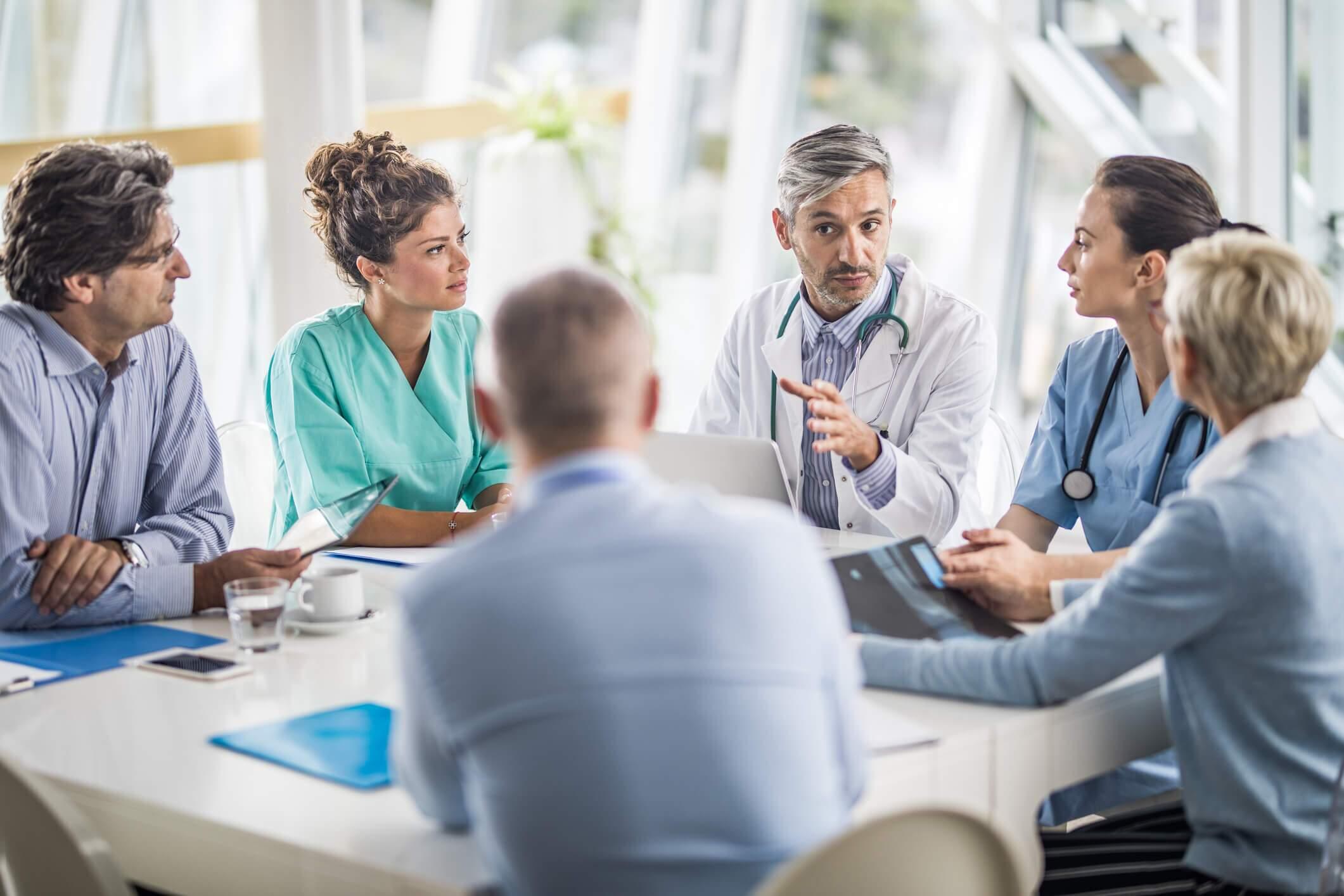 Aprenda a fazer marketing médico de acordo com as diretrizes do CFM